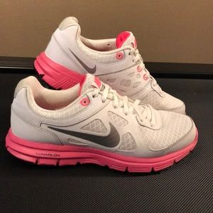 Nike White/Silver/Pink Athletic Shoes